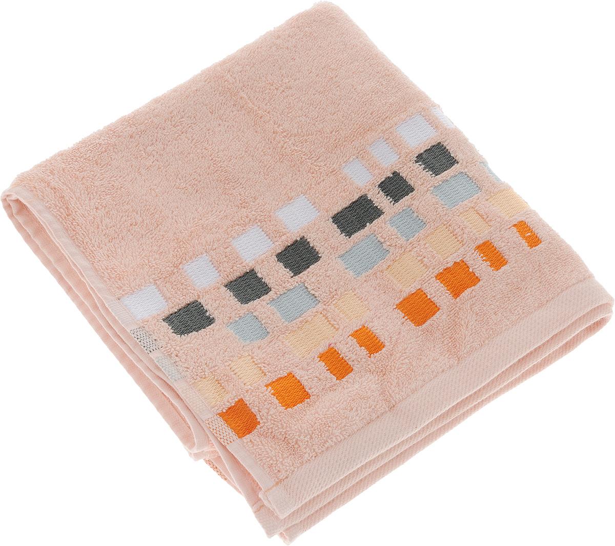 Полотенце махровое Toalla Милан, цвет: персиковый, 50 x 90 см9121805Полотенце махровое Toalla Милан выполнено из 100% натурального египетского хлопка. Бордюр изделия оформлен оригинальной вышивкой. Ткань полотенца обладает высокой плотностью и мягкостью, отличается высоким качеством и длительным сроком службы. В процессе эксплуатации материал становится только мягче и приятнее на ощупь. Египетский хлопок не содержит линта (хлопковый пух), поэтому на ткани не образуются катышки даже после многократных стирок и длительного использования. Сверхдлинные волокна придают ткани характерный красивый блеск. Полотенце отлично впитывает влагу и быстро сохнет. Такое полотенце красиво дополнит интерьер ванной комнаты и станет практичным приобретением.