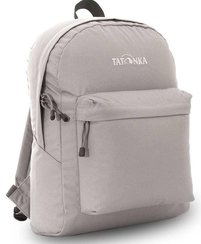 Рюкзак городской Tatonka Hunch Pack 22л, цвет: серый, 41x30x17 смDI.6280.048Классический городской рюкзак. Легкий городской рюкзак с большим накладным карманом. Hunch Pack - идеальный спутник во время экскурсии по городу или короткого выезда на природу. В основном отделении достаточно места для объемных вещей, а передний карман с небольшим органайзером отлично подойдет для мелких предметов. Преимущества и особенности: Мягкие плечевые лямки, регулирующиеся по длине Прочная ручка для переноски Два бегунка на основной молнии Мини-органайзер в переднем кармане Вышитый логотип Молния YKK с технологие RC, позволяющей значительно увеличить срок службы молнии
