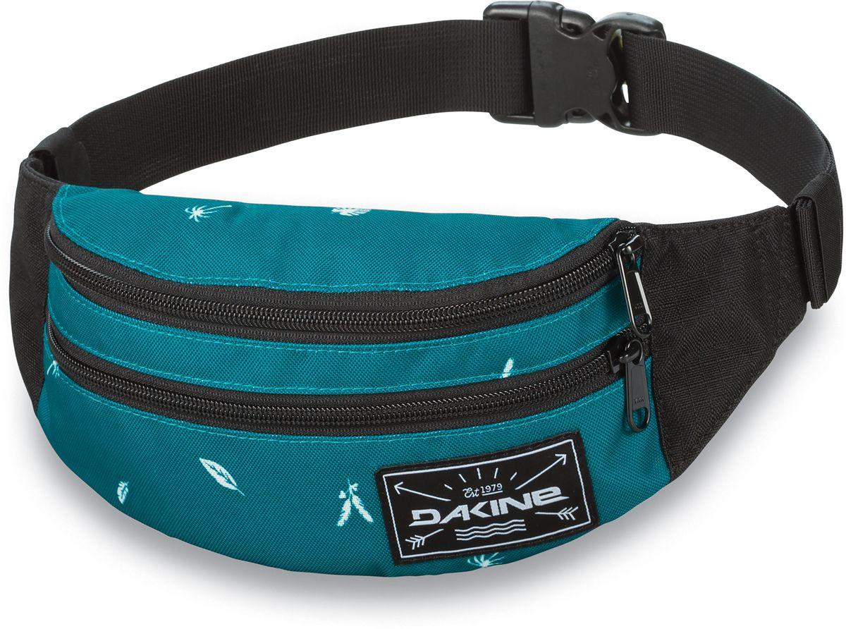 Сумка поясная Dakine Classic Hip Pack Dewilde, цвет: бирюзовый, 0,6 л. 813020500127096 8130205Поясная сумка с двумя отделениями. Регулируемый поясной ремень.