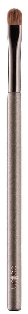 Delilah Кисть для теней плоскаяDLL5008Эта плоская куполообразная кисть сделана из натурального соболиного ворса. Ее форма была специально разработана для идеально четкого нанесения теней в складке века и на линии роста ресниц.