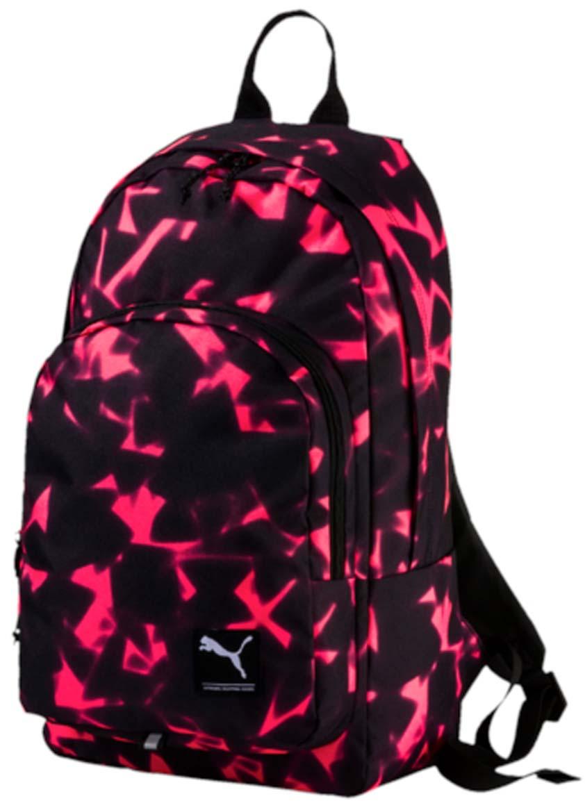 Рюкзак Puma Academy Backpack, цвет: малиновый, черный. 0729884307298843Рюкзак Puma Academy Backpack очень удобен для ежедневного использования и путешествий. В основном отделении имеется мягкий отсек для ноутбука. Регулируемые плечевые ремни изогнуты для комфортного использования, а мягкая прослойка служит для равномерного распределения нагрузки по спине. На лицевой стороне рюкзака находится логотип Puma.
