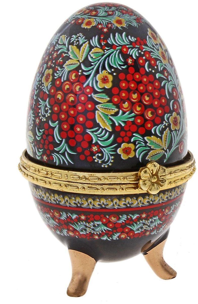 Шкатулка Русские мотивы, 4,5 х 4,7 х 7,5 см. 433656433656Пасхальное яйцо — символ жизни и возрождения, ведь именно в Пасху традиционно дарят крашеные или расписные яйца. А в такую забавную шкатулочку можно положить одно из таких яиц и преподнести своему самому родному и близкому человеку, такой презент никогда не забудется, и будет отличаться от других поздравлений.