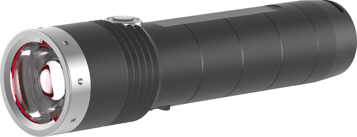 Фонарь LED Lenser MT10, цвет: черный. 500843500843Аккумуляторный фонарь cерии Outdoor. Инновационные системы – SLT (3 режима+стробоскоп), AFS, быстрый фокус RF. Световой поток- 1 000 лм, дальность – 180, время свечения в экономичном режиме - 144 часа. 1 белый светодиод СREE - Xtreme LED. Питание - 18650 Li-ion, 3.7V, мощность -3 400 mAh. Перезаряжаемость 80% после 240 min,индикатор зарядки батареи. Защита от перегрева, от случайного включения. IPX-4. Корпус – анодированный алюминий. Длина - 128 мм. Вес - 156 г. В комплекте: USB-кабель, нейлоновый чехол, темляк, инструкция. 7 лет гарантии. Премиальная блистерная упаковка.