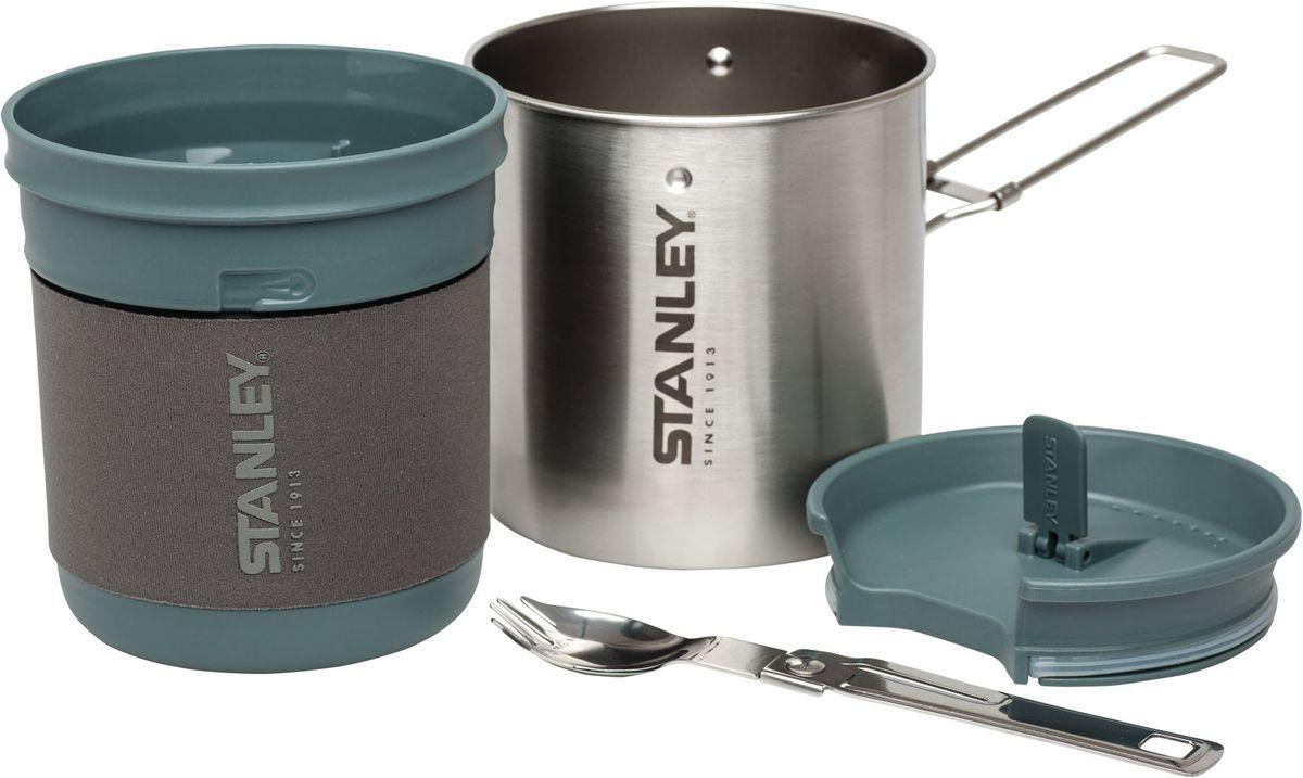 Туристический набор Stanley Mountain, 0,7 л, цвет: стальной10-01856-002Котелок для приготовления пищи со складной ручкой. Объем 0.7 л. Внутренняя чаша /миска из термостойкого пластика в неопреновым рукаве. Складная ложка-вилка из нержавеющей стали, крышка с ручкой, используемая как для котелка, так и для внутренней чаши/миски. На внутренней чаше нанесены деления (ml). Цвет-стальной. Гарантия пожизненная.