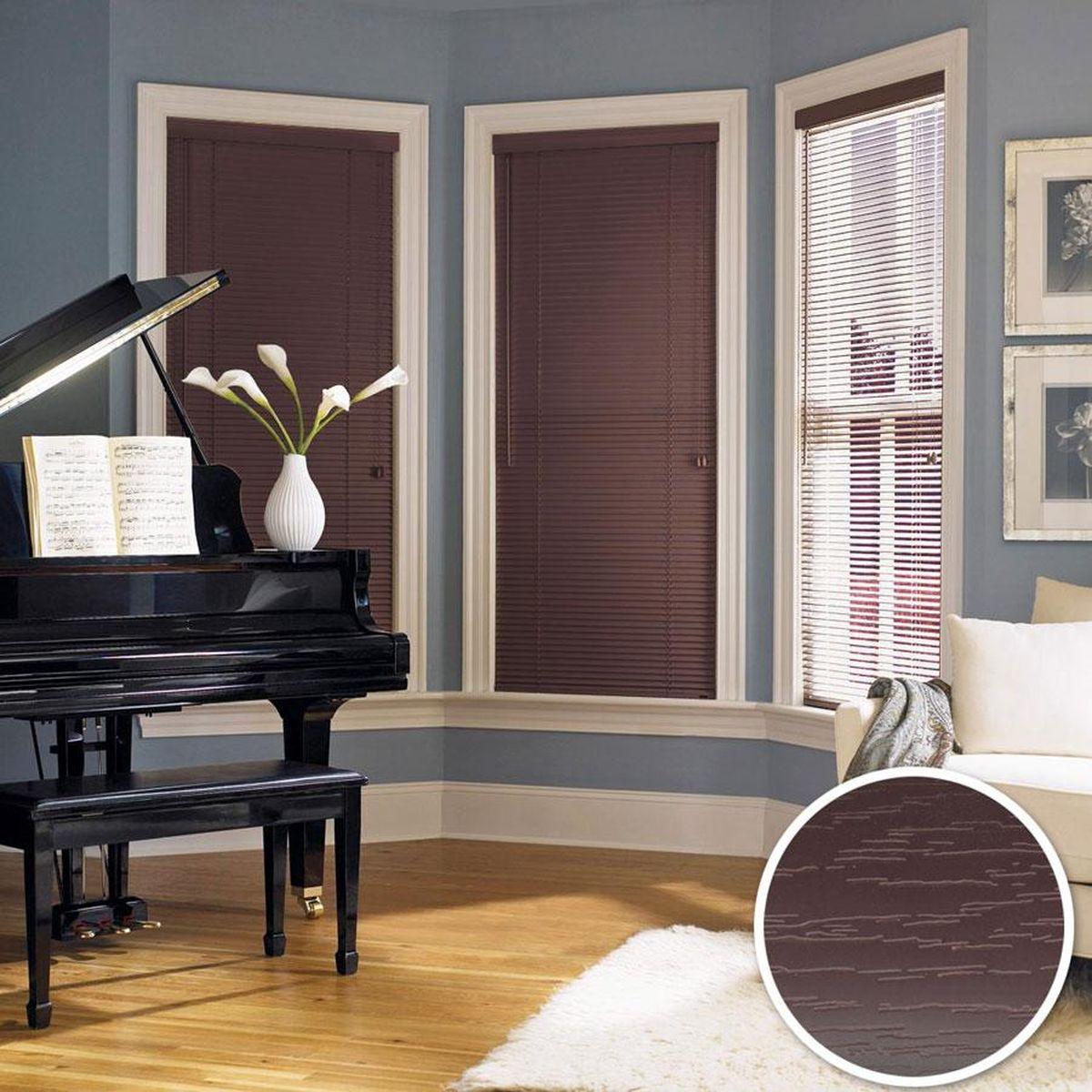 Жалюзи Эскар, цвет: темный кофе, ширина 160 см, высота 160 см61211160160Для того чтобы придать интерьеру изюминку и завершенность, нет ничего лучше, чем использовать жалюзи на окнах квартиры, дома или офиса. С их помощью можно подчеркнуть индивидуальный вкус, а также стилевое оформление помещения. Помимо декоративных функций, жалюзи выполняют и практические задачи: они защищают от излишнего солнечного света, не дают помещению нагреваться, а также создают уют в темное время суток. Пластиковые жалюзи - самое универсальное и недорогое решение для любого помещения. Купить их может каждый, а широкий выбор размеров под самые популярные габариты сделает покупку простой и удобной. Пластиковые жалюзи имеют высокие эксплуатационные характеристики - они гигиеничны, что делает их незаменимыми при монтаже в детских и медицинских учреждениях.