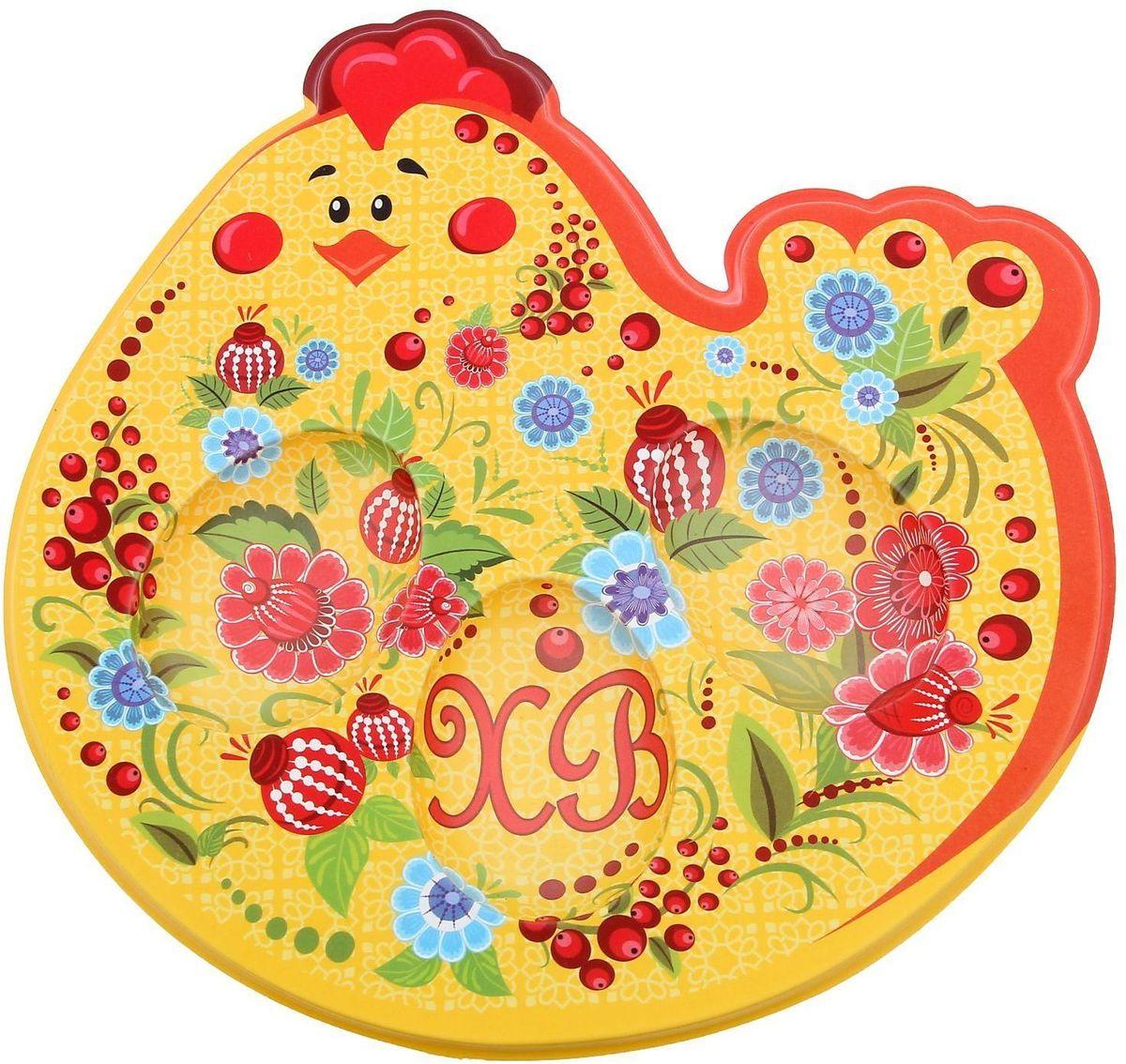 Подставка пасхальная Курочка, под 3 яйца, 18 х 8,2 см. 12530881253088Пасхальная подставка для 3 яйц и кулича изготовлена из качественного пластика, в центре имеется яркая вставка. Аксессуар станет достойным украшением праздничного стола, создаст радостное настроение и наполнит пространство вашего дома благостной энергией на весь год вперёд. Подставка будет ценным памятным подарком для родных, друзей и коллег. Радости, добра и света вам и вашим близким!