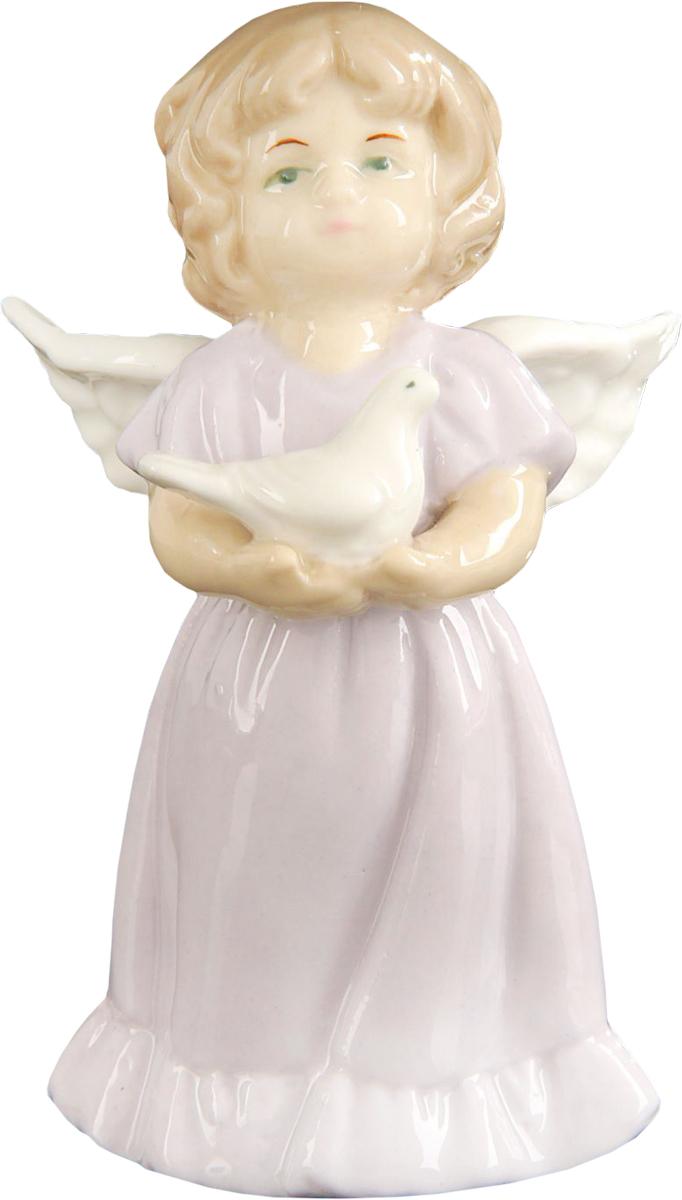 Сувенир пасхальный Sima-land Ангелочек с голубем, 7,5 х 5 х 4 см1533464Сувенир Ангелочек с голубем — сувенир в полном смысле этого слова. И главная его задача — хранить воспоминание о месте, где вы побывали, или о том человеке, который подарил данный предмет. Преподнесите эту вещь своему другу, и она станет достойным украшением его дома.