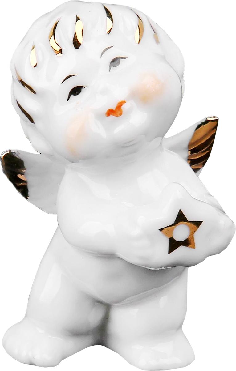 Сувенир пасхальный Sima-land Ангелочек со звездочкой, 4 х 4,5 х 7,5 см516897Статуэтка ангела – не просто милый сувенир, выполняющий исключительно декоративную функцию. Его символическое значение куда более глубоко: даря близкому человеку ангелочка, Вы демонстрируете ему свои искренние симпатию и привязанность и желаете мира и благополучия. Изначально такая фигурка символизировала ангела-хранителя, незримого покровителя и защитника, а значит, она вполне может стать надежным оберегом, охраняющим своего обладателя от бед.