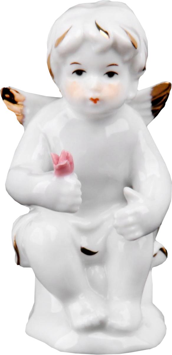 Сувенир пасхальный Ангел с цветком, 5 х 4,5 х 9 см. 516904516904Пасха – весенний праздник, в это время года природа пробуждается после долгой спячки и поражает своим великолепием и красками. Данный сувенир подойдёт для украшения квартиры, офиса, магазина и т.д. С его помощью для вас открываются сотни вариантов украшения праздничного пространства либо можно использовать его в качестве подарка.