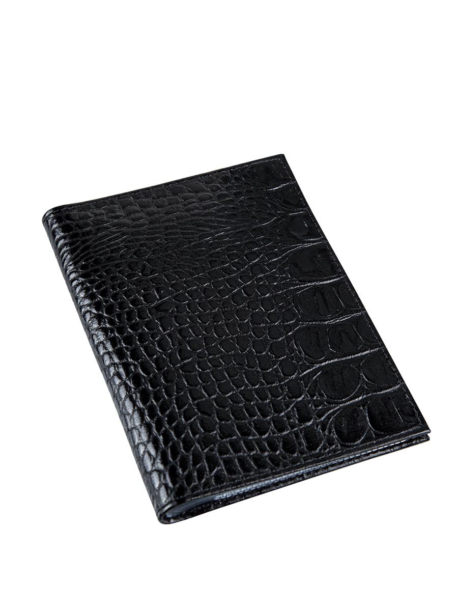 Бумажник водителя женский Befler Кайман, цвет: черный. BV.1.-13BV.1.-13Бумажник водителя Befler выполнен из натуральной кожи с тиснением под рептилию. На внутреннем развороте расположено 2 кармана из прозрачного пластика. Внутренний блок из прозрачного пластика для документов водителя состоит из 6 файлов.