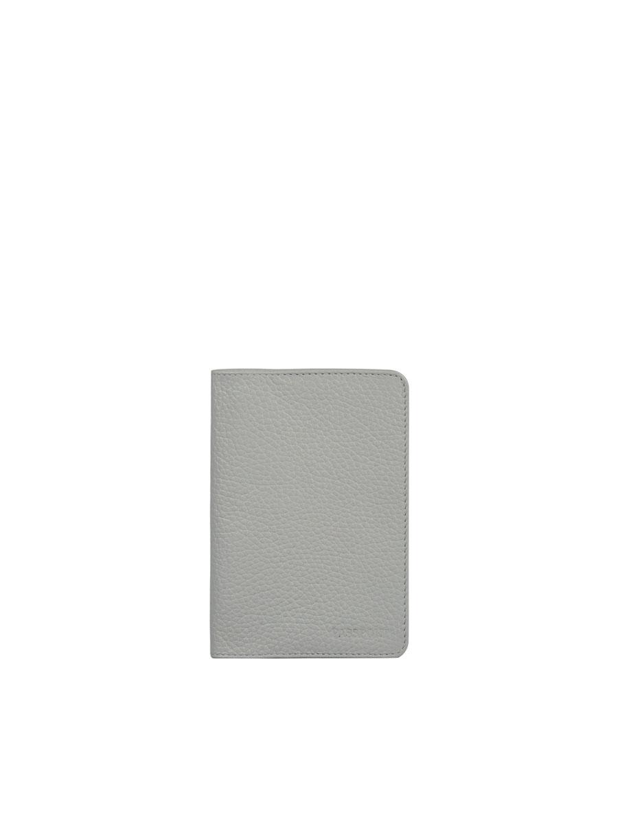 Обложка для паспорта жен Fabula Solo, цвет: серый. O.87.RKO.87.RK.жемчужныйОбложка для паспорта из коллекции «Solo» выполнена из натуральной зернистой кожи. На внутреннем развороте два кармана из плотного прозрачного пластика.
