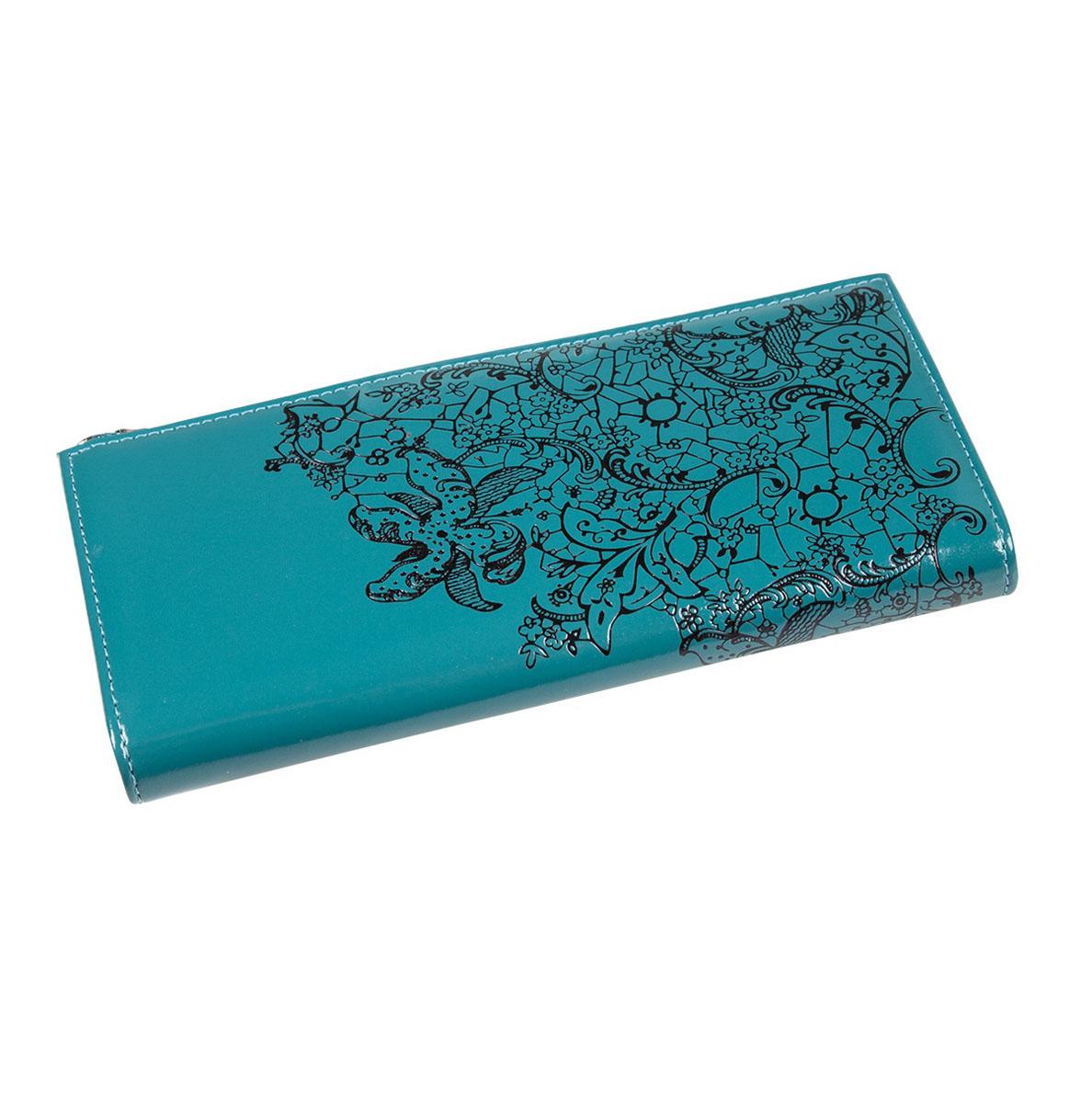 Портмоне женское Befler Гипюр, цвет: бирюзовый, черный. PJ.158.-1PJ.158.-1Портмоне Befler Гипюр выполнено из натуральной лаковой кожи и оформлено тисненым рисунком. Закрывается на молнию. Внутри расположено 3 отделения для купюр, скрытый карман, отделение для мелочи на молнии, накладной карман из кожи для кредитных карт.