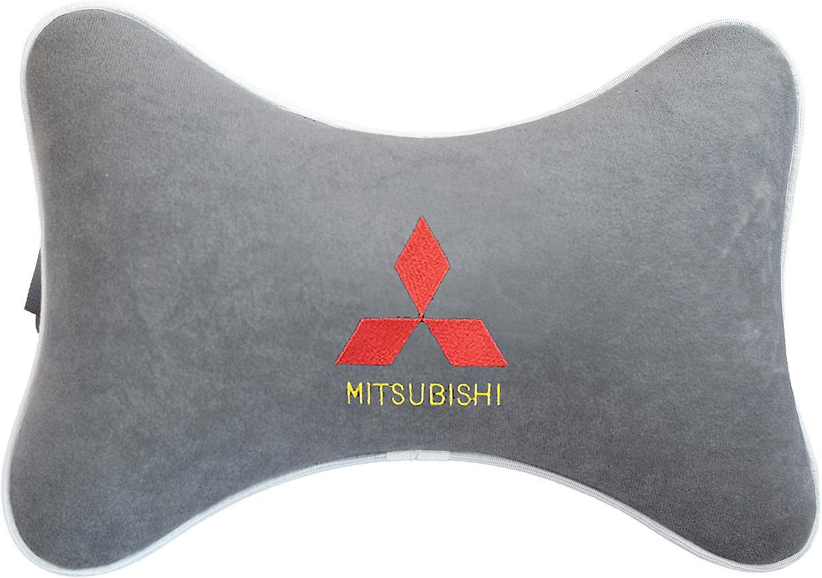 Подушка на подголовник Auto Premium Mitsubishi, цвет: серый. 3744637446Подушка на подголовник - это прежде всего лучший способ создать комфорт для шеи и головы во время пребывания в автомобильном кресле. Большинство штатных подголовников устроены так, что до них попросту не дотянуться. Данный аксессуар полностью решает эту проблему, создавая мягкую ортопедическою поддержку. Подушка крепится к сиденью, а это значит один раз поставил - и забыл. Меньше утомляемость - а следовательно выше внимание и концентрация на дороге. Одинакова удобна для пассажира и водителя. Подушка выполнена из велюра.