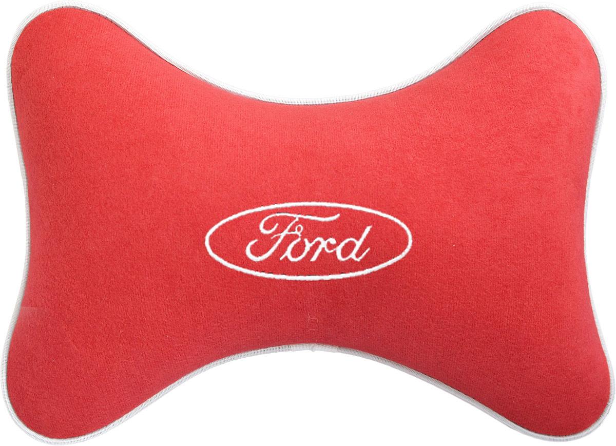 Подушка на подголовник Auto Premium Ford , цвет: красный. 3746437464Подушка на подголовник - это прежде всего лучший способ создать комфорт для шеи и головы во время пребывания в автомобильном кресле. Большинство штатных подголовников устроены так, что до них попросту не дотянуться. Данный аксессуар полностью решает эту проблему, создавая мягкую ортопедическою поддержку. Подушка крепится к сиденью, а это значит один раз поставил - и забыл. Меньше утомляемость - а следовательно выше внимание и концентрация на дороге. Одинакова удобна для пассажира и водителя. Подушка выполнена из велюра.