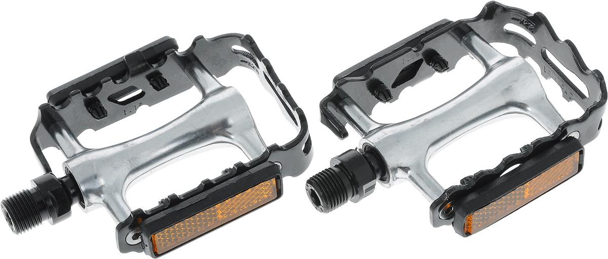 Педали Stern, цвет: серебряный, черный. CPED-M1CPED-M1Высокопрочные цельные педали Stern выполнены из металла с надежной композитной рамкой, и оснащены встроенными светоотражателями для безопасности. Рельефное основание сверху и снизу обеспечивает удобство.