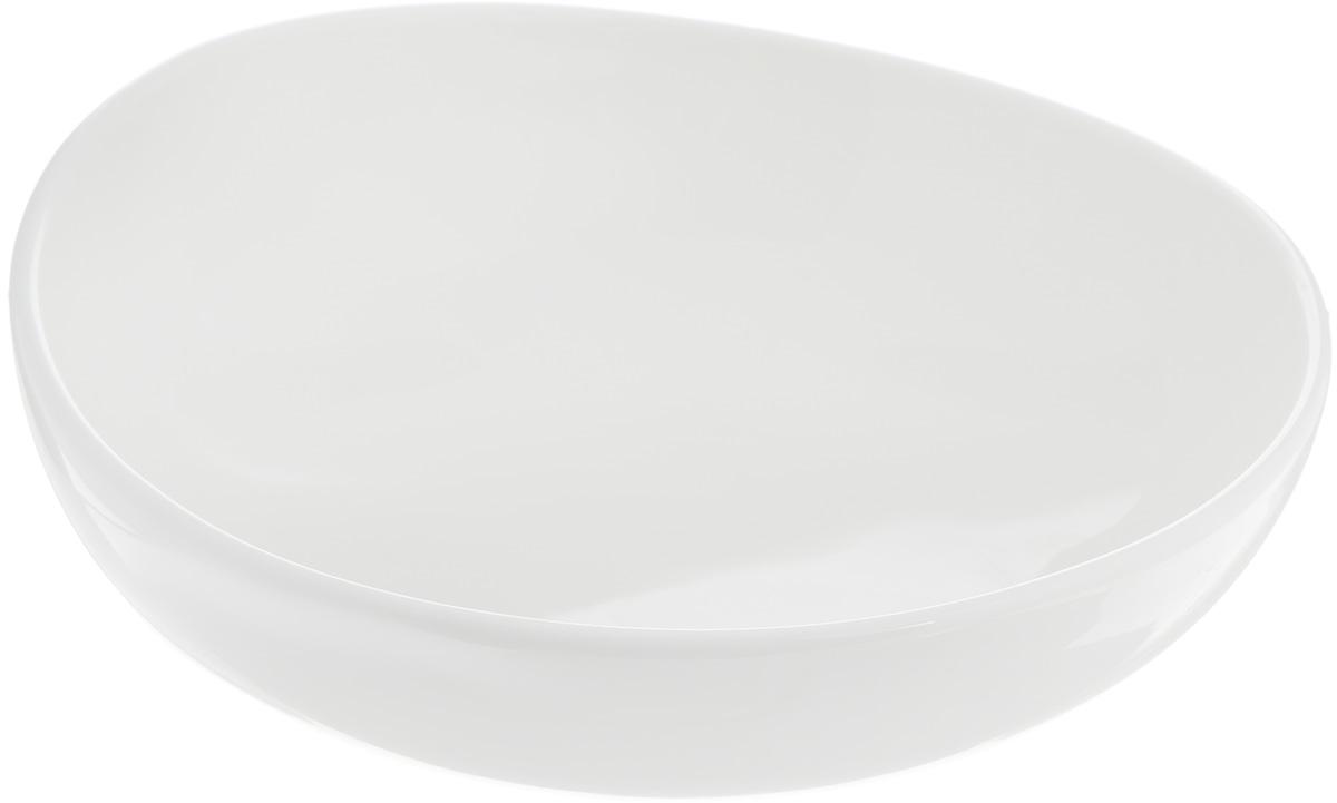 Салатник Ariane Коуп, 440 млAVCARN22016Салатник Ariane Коуп, изготовленный из высококачественного фарфора с глазурованным покрытием, прекрасно подойдет для подачи различных блюд: закусок, салатов или фруктов. Такой салатник украсит ваш праздничный или обеденный стол. Можно мыть в посудомоечной машине и использовать в микроволновой печи. Диаметр салатника (по верхнему краю): 16 см. Диаметр основания: 5,5 см.