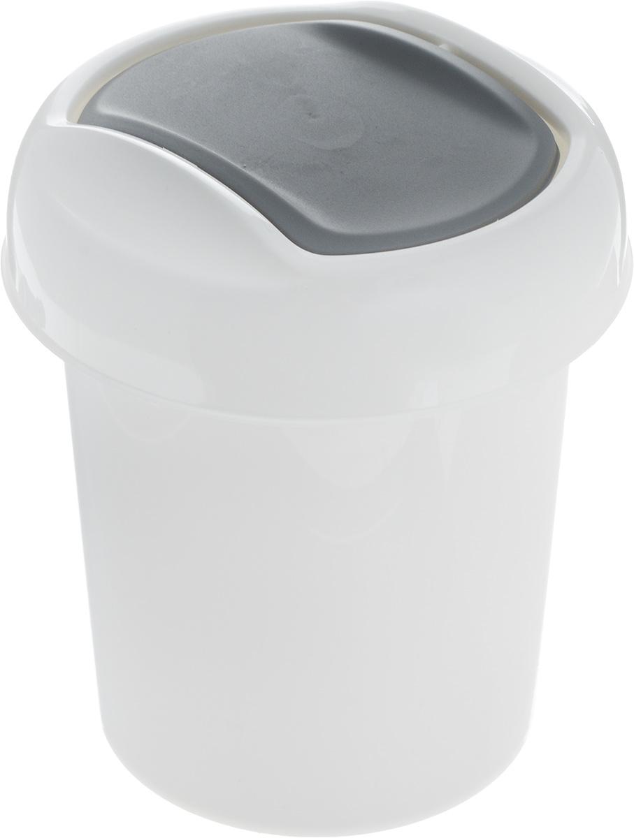 Контейнер для мусора Svip Ориджинал, цвет: белый, темно-серый, 1 лSV4048БЛМиниатюрный контейнер для мусора Svip Ориджинал разработан для поддержания чистоты в ванной комнате, на рабочем и кухонном столах. Изделие оснащено поворотной крышкой-маятником, которая легко открывается простым нажатием руки, и сама возвращается в стандартное положение. Скрытные борта в корпусе ведра для аккуратного использования одноразовых пакетов и сохранения эстетики изделия. Для удобства извлечения накопившегося в ведре мусора его верхняя часть сделана съёмной. Высокое качество используемого материала гарантирует долгий срок эксплуатации. Размер контейнера: 13,5 х 13,5 х 15,5 см.
