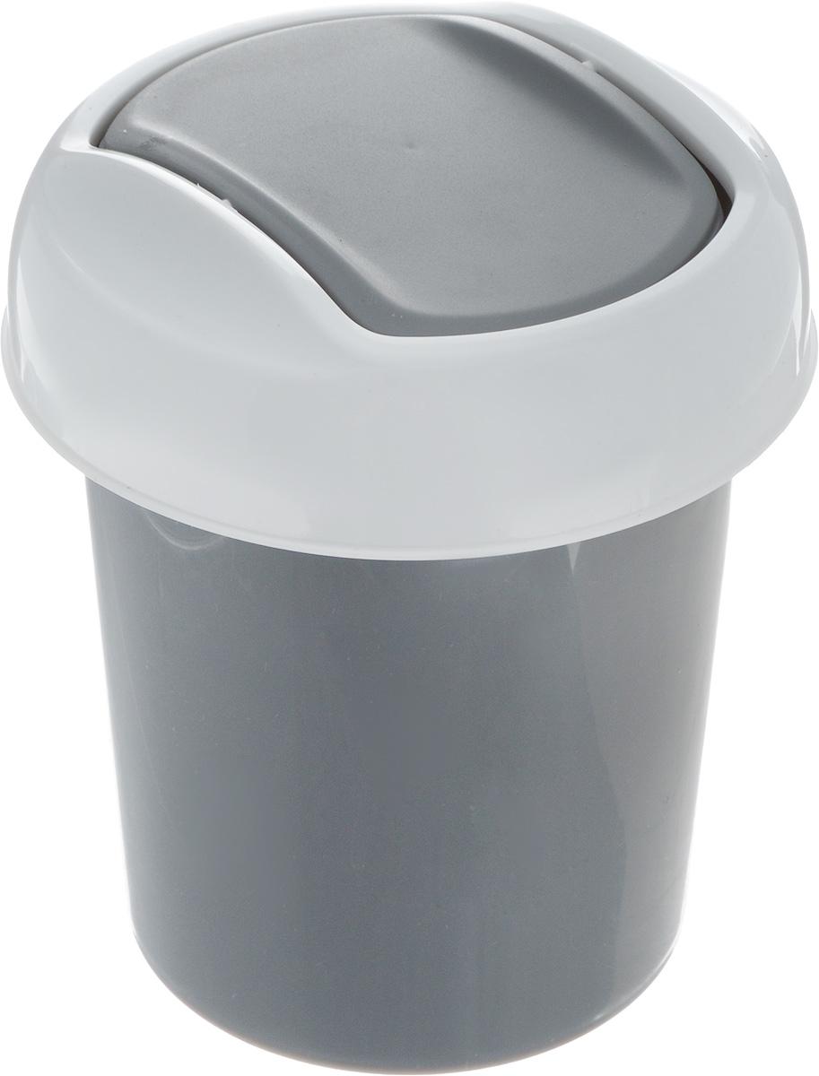 Контейнер для мусора Svip Ориджинал, цвет: темно-серый, белый, 1 лSV4048СБМиниатюрный контейнер для мусора Svip Ориджинал разработан для поддержания чистоты в ванной комнате, на рабочем и кухонном столах. Изделие оснащено поворотной крышкой-маятником, которая легко открывается простым нажатием руки, и сама возвращается в стандартное положение. Скрытные борта в корпусе ведра для аккуратного использования одноразовых пакетов и сохранения эстетики изделия. Для удобства извлечения накопившегося в ведре мусора его верхняя часть сделана съёмной. Высокое качество используемого материала гарантирует долгий срок эксплуатации. Размер контейнера: 13,5 х 13,5 х 15,5 см.