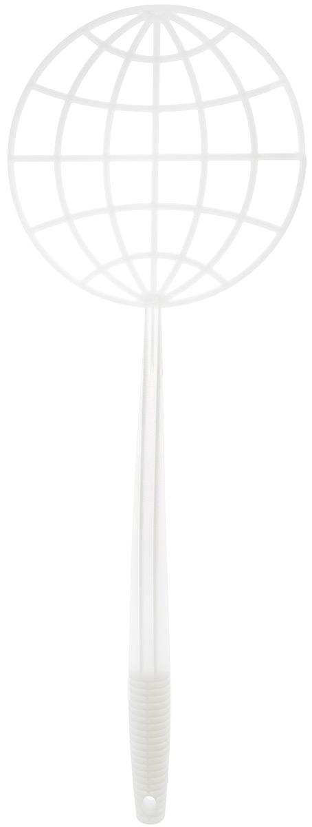 Пылевыбивалка Svip, цвет: белый, диаметр 21 смSV3218БЛ-35РSПылевыбивалка Svip, изготовленная из полипропилена, станет полезным приобретением для дома или дачи. Эргономическая ручка имеет отверстием для размещения на крючке в удобном для вас месте. Ручка выбивалки имеет специальный изгиб, благодаря которому рука не соприкасается с выбиваемой поверхностью. Удобная и практичная в использовании пылевыбивалка, используется для удаления пыли с ковров, пледов и т.д. Благодаря специальному морозостойкому материалу изделие можно использовать в зимнее время. Диаметр рабочей поверхности: 21 см, Длина рукоятки: 37 см.