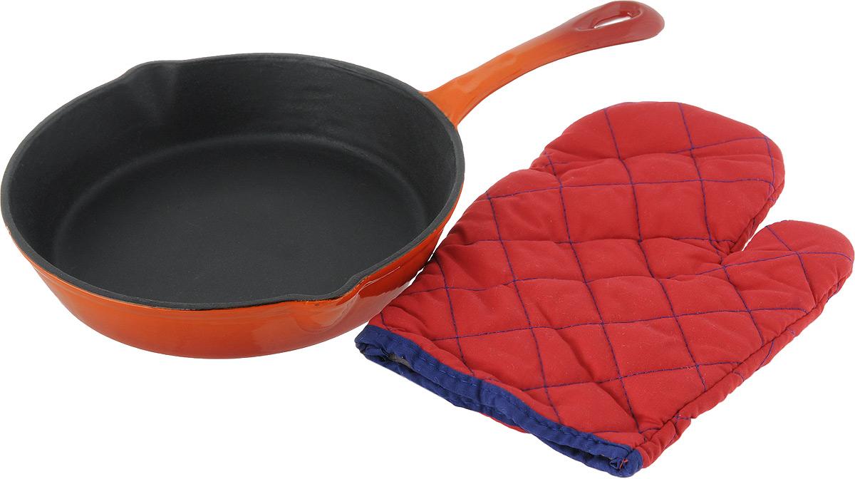 Сковорода Vitesse Ally, цвет: оранжевый. Диаметр 24 см + ПОДАРОК: Кухонная рукавица, 1 штVS-1579Сковорода Vitesse Ally изготовлена из чугуна с эмалированной внутренней и внешней поверхностью. Эмалированный чугун - это железо, на которое наложено прочное стекловидное эмалевое покрытие. Такая посуда отлично подходит для приготовления традиционной здоровой пищи. Чугун является наилучшим материалом, который долго удерживает и равномерно распределяет тепло. Благодаря особым качествам эмали, чем дольше вы используете посуду, тем лучше становятся ее эксплуатационные характеристики. Чугун обладает высокой прочностью, износоустойчивостью и антикоррозийными свойствами. Сковорода оснащена цельнолитой чугунной ручкой. По бокам изделие имеет носики для слива жидкости. В подарок: - кухонная рукавица. Можно готовить на газовых, электрических, стеклокерамических, галогенных, индукционных плитах. Подходит для мытья в посудомоечной машине и использования в духовом шкафу. Характеристики: Материал: чугун. Цвет: оранжевый, бежевый. ...