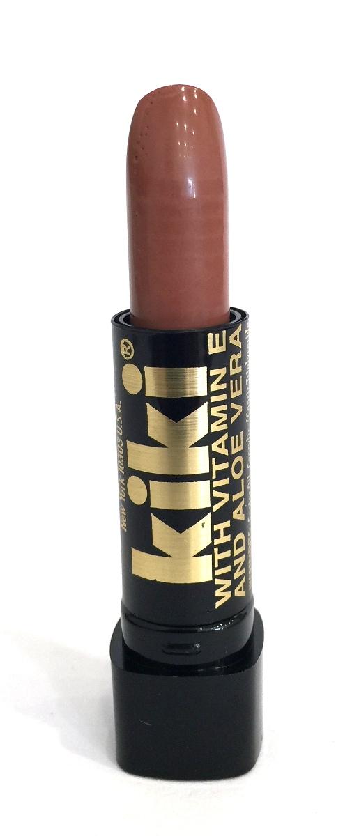 Kiki Помада с aloe & vit E 054 MICHELLE, 4 гр10101054В состав классической губной помады KIKI введены группы витаминов и масел, которые защищают, разглаживают, смягчают губы и усиливают передачу глубины цвета. Благодаря особым молекулярным соединениям, помада легко наносится и ровно ложится на губы.