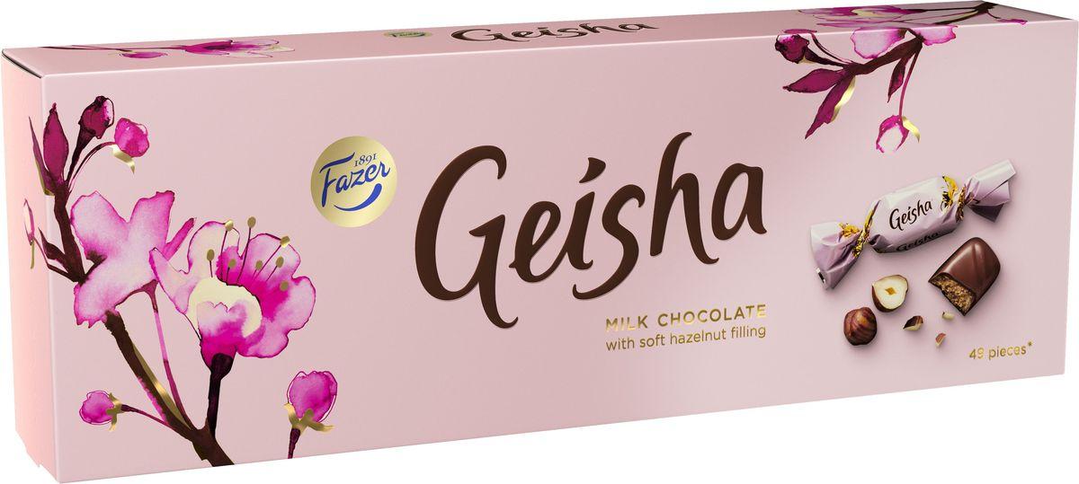 Fazer Geisha конфеты молочный шоколад c тертым орехом, 350 г5728Производство шоколада шоколада Geisha началось в 1962 году, когда в превосходный молочный шоколад добавили начинку из натурального лесного ореха и оформили в изящную нежно розовую упаковку с цветущей сакурой. Шоколадно-ореховое лакомство воплощает в себе гармоничный образ женской красоты, полный загадочности и романтики.