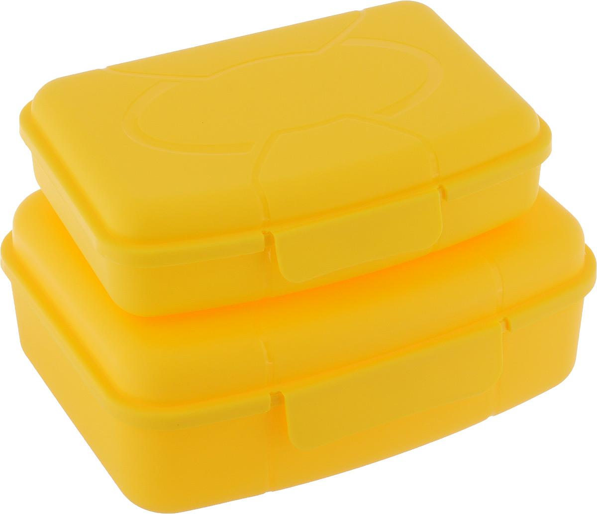 Набор ланч-боксов Полимербыт, цвет: желтый, 2 штSGHPBKP49Набор Полимербыт состоит из двух ланч-боксов разного объема, выполненных из высококачественного пластика, который выдерживает температуру от -40°С до +110°С. Изделие идеально подходит и для хранения и для транспортировки пищи. Ланч-боксы оснащены удобными плотно закрывающимися крышками с защелками. Можно мыть в посудомоечной машине и использовать в микроволновой печи. Объемы ланч-боксов: 0,42; 0,98 л. Размеры ланч-боксов: 18 х 13 х 6,5 см; 16 х 10,5 х 4 см.