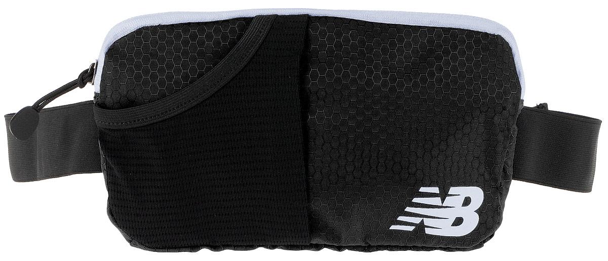 Сумка поясная New Balance Performance Waist Pack, цвет: черный, 22 х 12 х 2 см500003/BKСумка New Balance Performance Waist Pack, выполненная из нейлона, оформлена символикой бренда. Сумка фиксируется на поясе с помощью эластичного регулирующего ремешка с застежкой-фастекс. Изделие имеет одно отделение на застежке-молнии, в которое удобно положить ключи, деньги и другие мелочи. Внутри расположен прорезной карман на застежке-молнии. Снаружи, на лицевой стороне находится накладной сетчатый карман на резинке. Тыльная сторона дополнена сетчатой вставкой, которая обеспечивает естественную вентиляцию. Такая поясная сумка для бега станет настоящей находкой, как для любителей, так и для профессиональных спортсменов, которые действительно серьезно подходят к экипировке.