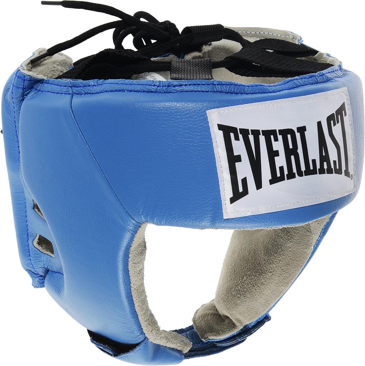 Шлем боксерский Everlast USA Boxing, цвет: синий, белый, черный. Размер XL610606UEverlast USA Boxing - боксерский шлем, разработанный для выступления на любительских соревнованиях и одобренный ассоциацией USA Boxing. Плотный четырехслойный пенный наполнитель превосходно амортизирует удары и значительно снижает риск травмы. Качественная натуральная кожа (снаружи) и не менее качественная замша (внутри) обеспечивают значительный запас прочности и отличную износоустойчивость. Подгонка под необходимый размер и фиксация на голове происходят за счет затягивающихся шнурков. Если вы еще ищите шлем для предстоящих соревнований, то Everlast USA Boxing - это ваш выбор! Диаметр головы: 18 см.