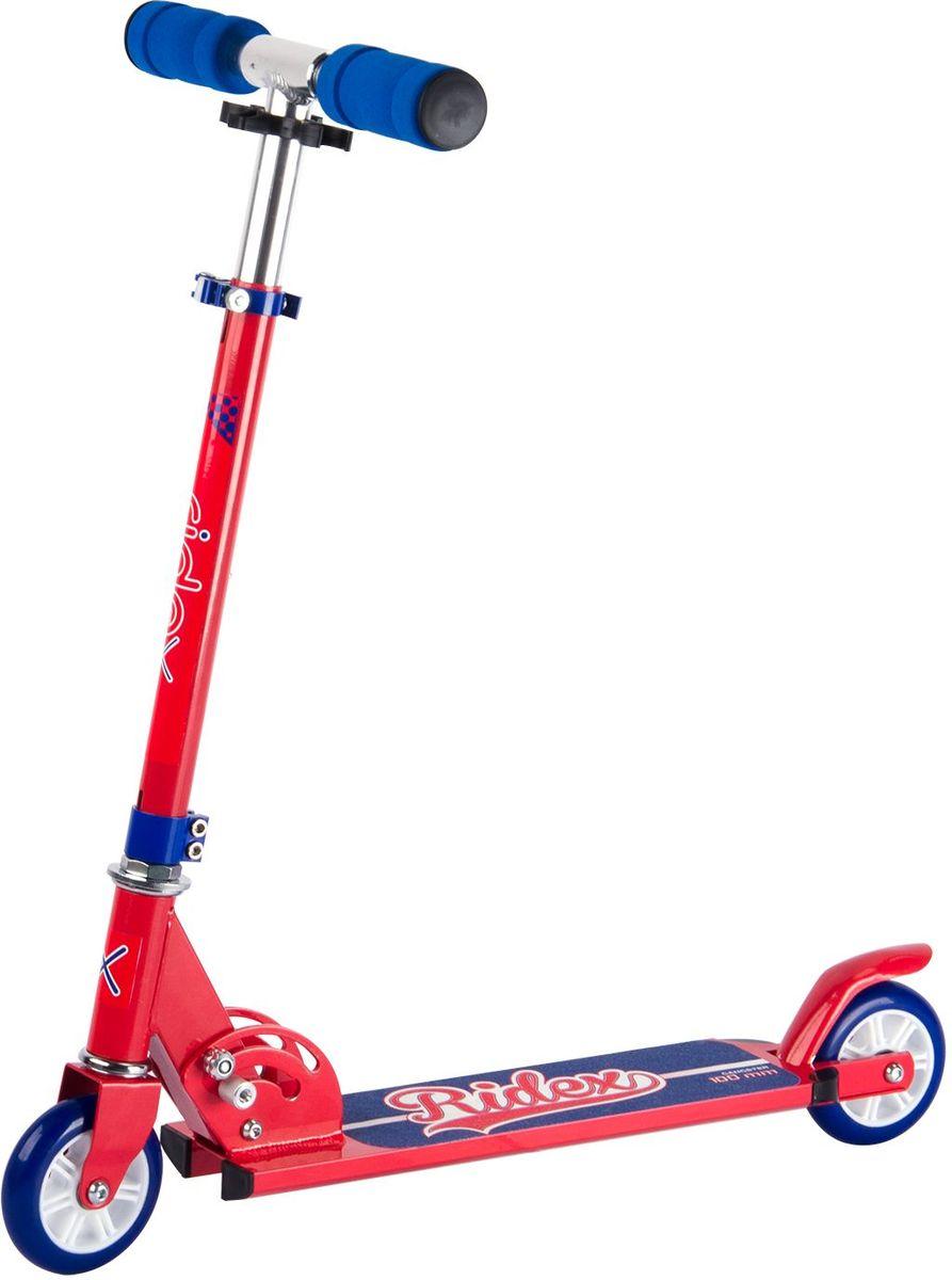 Самокат Ridex Gangster, 2-колесный, цвет: красный, синий, 100 ммУТ-00009700Самокат бренда Ridex с колёсами 100 миллиметров – наиболее подходящая модель для езды по ровной поверхности, ориентированная на юных любителей катания. Цветовое решение самоката Gangster позволит Вашему подрастающему райдеру почувствовать себя настоящим супергероем! Модель отличается надежностью конструкции и маневренностью: небольшие колеса с качественными подшипниками ABEC - 7 обеспечат развитие безопасной скорости, мягкие пенные ручки гарантируют приятное, комфортное сцепление с ладонями.