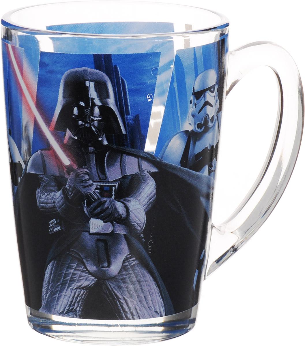 Star Wars Кружка коническая детская Дарт Вейдер 300 млSWG0202Детская кружка Star Wars Дарт Вейдер с любимыми героями станет отличным подарком для вашего ребенка. Она выполнена из стекла и оформлена изображением героев киновселенной Звездные войны. Кружка дополнена удобной ручкой. Такой подарок станет не только приятным, но и практичным сувениром: кружка будет незаменимым атрибутом чаепития, а оригинальное оформление кружки добавит ярких эмоций и хорошего настроения. Можно использовать в посудомоечной машине.