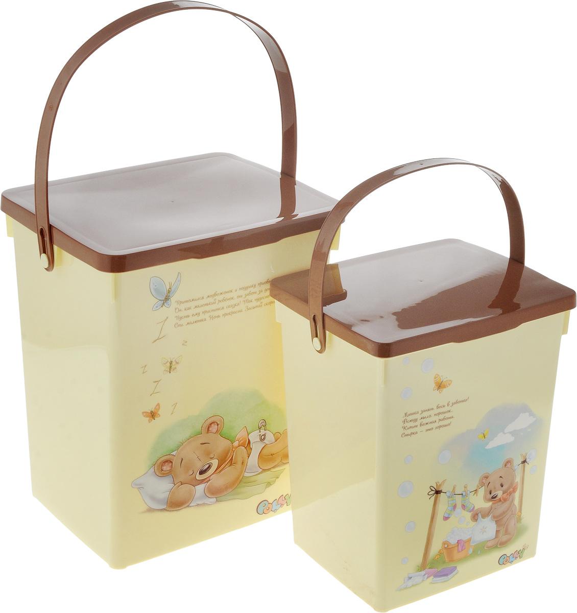 Набор контейнеров для хранения Полимербыт Polly, 2 штSGHPBKP51Удобный набор Полимербыт Polly состоит из двух контейнеров для детского стирального порошка и для подгузников. Контейнеры выполнены из пластика и оформлены оригинальным рисунком с изображением мишки. Многофункциональная вещь, которая пригодиться в быту для любых случаев. Удобные контейнеры в использование и хранении. Объём контейнеров: 5 л; 8,5 л.