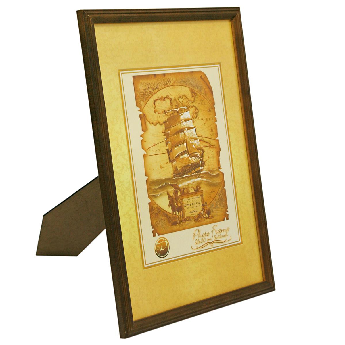 Фоторамка деревянная Veld-Co, цвет: темно-коричневый, 10 х 15 см6268_темно-коричневыйФоторамка Pioneer Nora выполнена из дерева и стекла, защищающего фотографию. Оборотная сторона рамки оснащена специальной ножкой, благодаря которой ее можно поставить на стол или любое другое место в доме или офисе. Также изделие оснащено специальными отверстиями для подвешивания на стену. Такая фоторамка поможет вам оригинально и стильно дополнить интерьер помещения, а также позволит сохранить память о дорогих вам людях и интересных событиях вашей жизни.