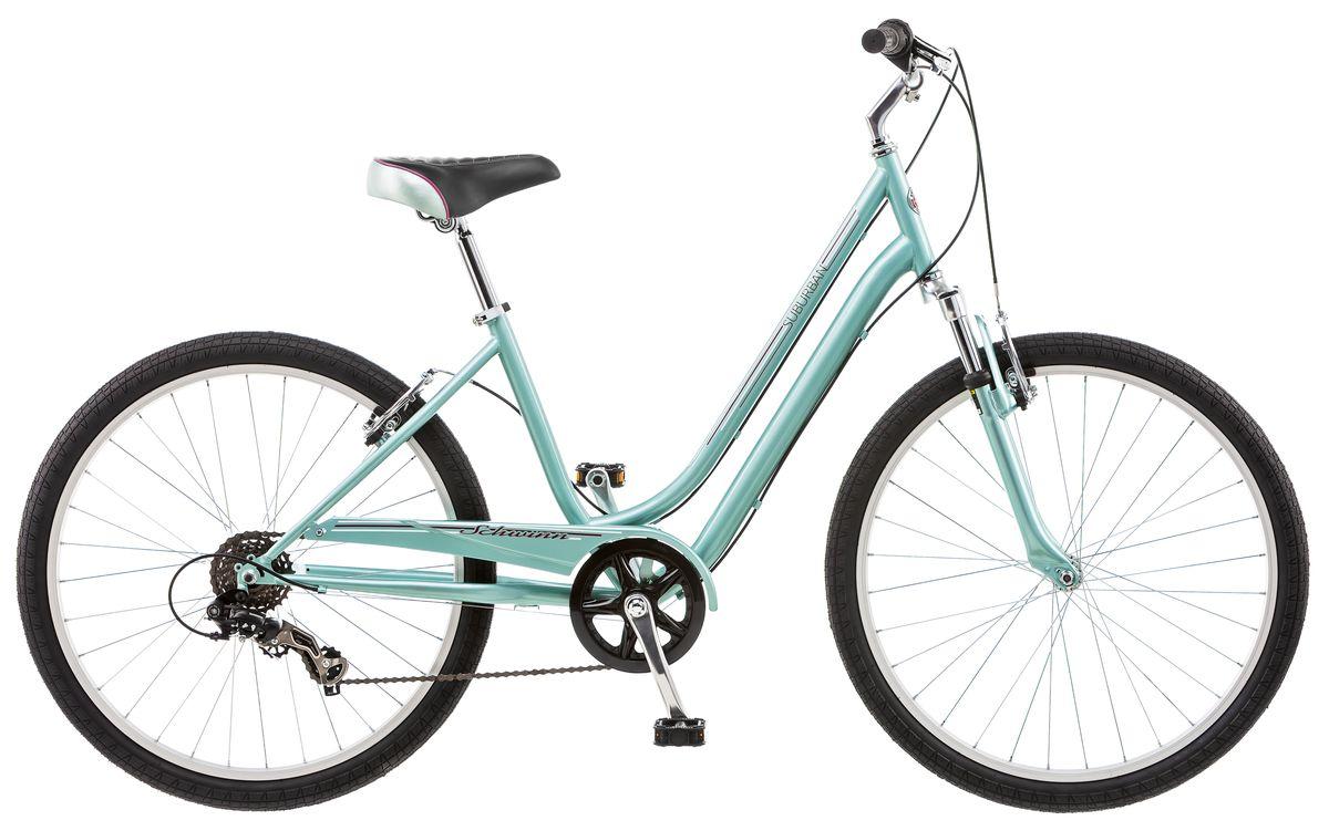 Велосипед городской Schwinn Suburban, женский, рама 16, колеса 26, 7 скоростей, цвет: голубойS5483BСтильный женский велосипед Suburban Woman, выполненный в нежно-мятном цвете, идеально подходит для катания по городу и паркам. Он оснащен заниженной рамой Schwinn Comfort, которая позволяет легко сесть на велосипед и спрыгнуть при остановке. Широкое и комфортное седло в сочетании с амортизационной вилкой дарят удобство при езде. Руль и седло регулируются по высоте и наклону для максимально комфортной посадки. Цепь велосипеда дополнительно защищена кожухом и не пачкает одежду. • Прочная заниженная рама размером 16 • Амортизационная вилка • Надёжные ободные тормоза с легкой настройкой • Переключатели передач Shimano Tourney • 7 скоростей • Регулировка руля и седла по высоте и наклону • Широкое и комфортное седло • Полноразмерная защита цепи • Круговая защита передней звезды, предотвращает соскакивание цепи • Подножка в комплекте • Колёса 26