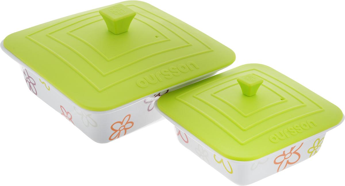 Набор мисок Oursson Bon Appetit, с силиконовыми крышками, цвет: белый, зеленое яблоко, 2 шт. BW2505SCBW2505SC/GAНабор Oursson Bon Appetit состоит из двух мисок разного размера, выполненных из керамики и оформленных цветочным рисунком. Керамика, из которой изготовлены емкости, выдерживает температуру до 250°С, поэтому подать блюда на стол можно сразу после приготовления в микроволновой печи или духовом шкафу. Миски снабжены силиконовыми крышками. Миски являются универсальным приобретением для любой кухни. С их помощью можно готовить блюда, хранить продукты и даже сервировать стол. Оригинальный дизайн, высокое качество и функциональность набора Oursson Bon Appetit позволят ему стать достойным дополнением к вашему кухонному инвентарю. Можно мыть в посудомоечной машине. Характеристика емкости №1: Объем: 1,9 л. Размер формы (без учета крышки): 23,5 х 23,5 см. Высота стенки формы: 7,7 см. Размер крышки: 23,8 х 23,8 см. Характеристика емкости №2: Объем: 0,66 л. Размер формы (без учета крышки): 17,8 х 17,8 см. ...