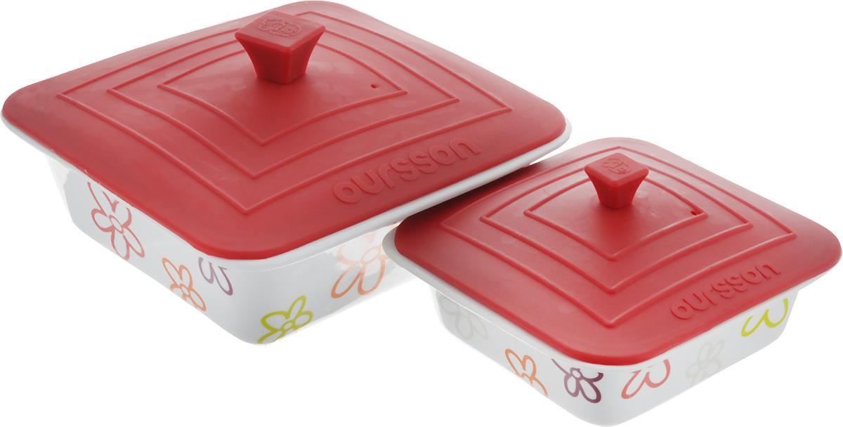 Набор мисок Oursson Bon Appetit, с силиконовыми крышками, цвет: белый, бордовый, 2 шт. BW2505SCBW2505SC/RDНабор Oursson Bon Appetit состоит из двух мисок разного размера, выполненных из керамики и оформленных цветочным рисунком. Керамика, из которой изготовлены емкости, выдерживает температуру до 250°С, поэтому подать блюда на стол можно сразу после приготовления в микроволновой печи или духовом шкафу. Миски снабжены силиконовыми крышками. Миски являются универсальным приобретением для любой кухни. С их помощью можно готовить блюда, хранить продукты и даже сервировать стол. Оригинальный дизайн, высокое качество и функциональность набора Oursson Bon Appetit позволят ему стать достойным дополнением к вашему кухонному инвентарю. Можно мыть в посудомоечной машине. Характеристика емкости №1: Объем: 1,9 л. Размер формы (без учета крышки): 23,5 х 23,5 см. Высота стенки формы: 7,7 см. Размер крышки: 23,8 х 23,8 см. Характеристика емкости №2: Объем: 0,66 л. Размер формы (без учета крышки): 17,8 х 17,8 см. ...