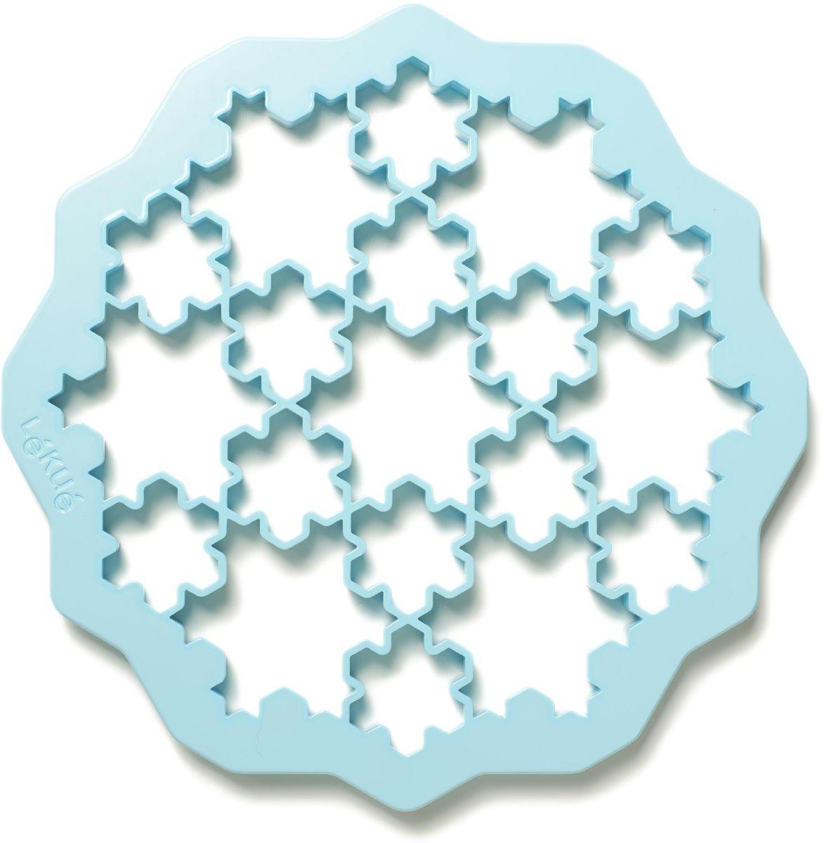 Форма для печенья Lekue Снежинки, цвет: голубой0200170Z11M017Хотите развивать воображение ваших детей - интересное и вкусное занятие приготовление печенок с детьми.