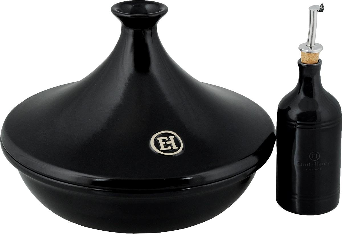 Набор для приготовления пищи Emile Henry: тажин, бутылка для масла и уксуса, цвет: черный799732Набор для приготовления пищи Emile Henry изготовлен из высококачественной керамики. Набор включает в себя тажин и бутылку для масла или уксуса. Тажин Emile Henry изготовлен из высококачественной жаропрочной керамики - полностью натурального материала (без примеси металлов), идеально подходящего для медленного и равномерного приготовления пищи. Керамика гарантирует правильный здоровый подход к кулинарии: любые блюда получаются ароматными и сохраняют все полезные вещества, не подвергаясь перепадам температур в процессе приготовления. Благодаря медленному распределению тепла, вкусы и запахи продуктов концентрируются и становятся более насыщенными. Керамическая посуда обладает свойством долго сохранять тепло после того, как блюдо было снято с огня, и легко удерживать холод после того, как блюдо достали из холодильника. Благодаря конусообразной форме крышки, пар, поднимающийся от готовящегося блюда, многократно конденсируется в верхней ее части и спускается вниз,...