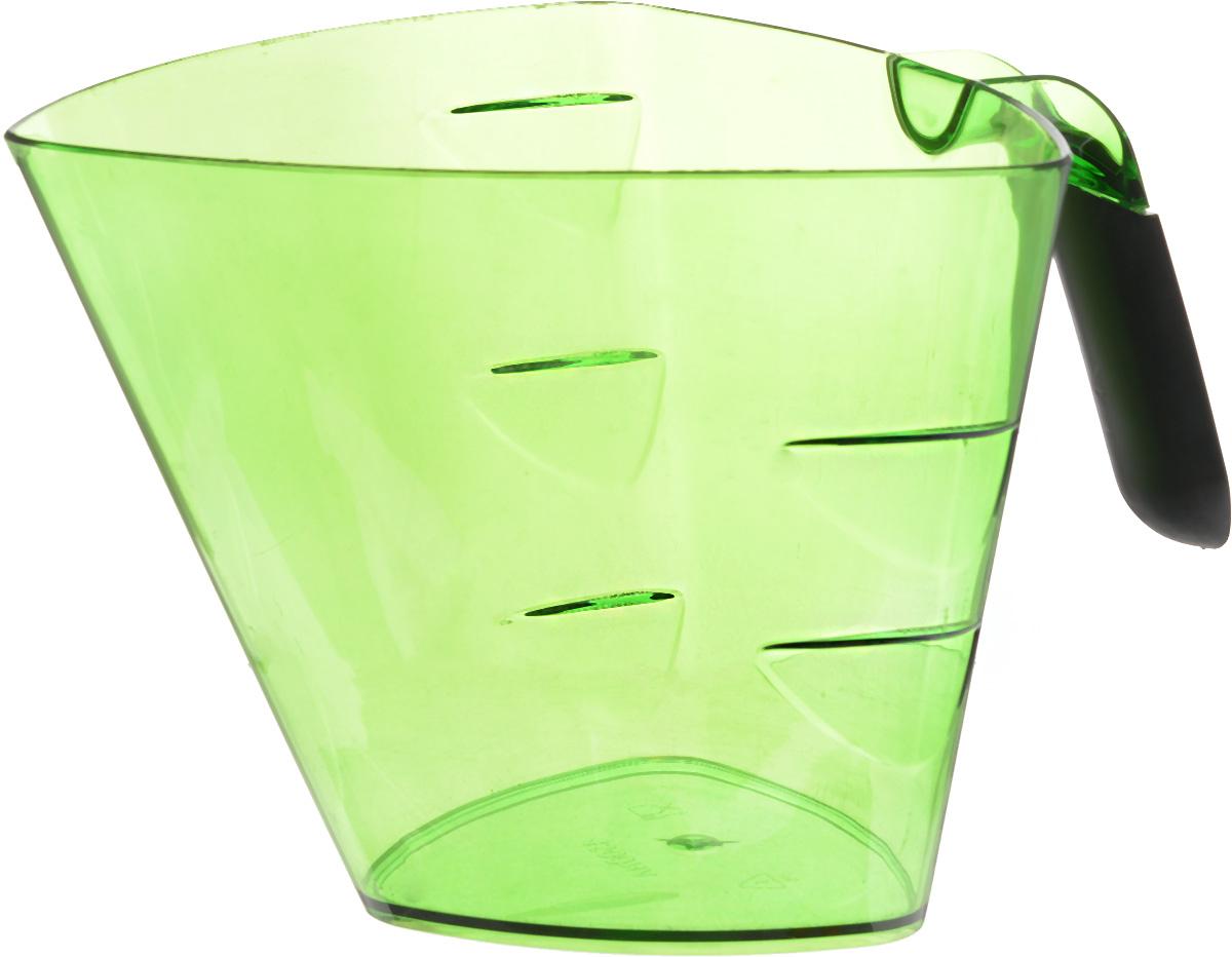 Стакан мерный Giaretti Cristallo, цвет: зеленый, 1,5 лGR3067МИКС_зеленыйМерный прозрачный стакан Giaretti Cristallo выполнен из высококачественного пластика. Стакан оснащен удобной ручкой с противоскользящей вставкой и носиком, которые делают изделие еще более простым в использовании. Мерная шкала внутри стакана, позволяет измерить жидкости до 1,5 л. Удобная форма стакана позволяет как отмерить необходимое количество продукта, так и взбить/замесить его непосредственно в прямо в этой же емкости. Такой стаканчик пригодится каждой хозяйке на кухне, ведь зачастую приготовление некоторых блюд требует известной точности. Объем: 1,5 л. Размер: 17,2 х 17,2 х 15 см. Длина ручки: 10,5 см. Толщина стенок: 3 мм.
