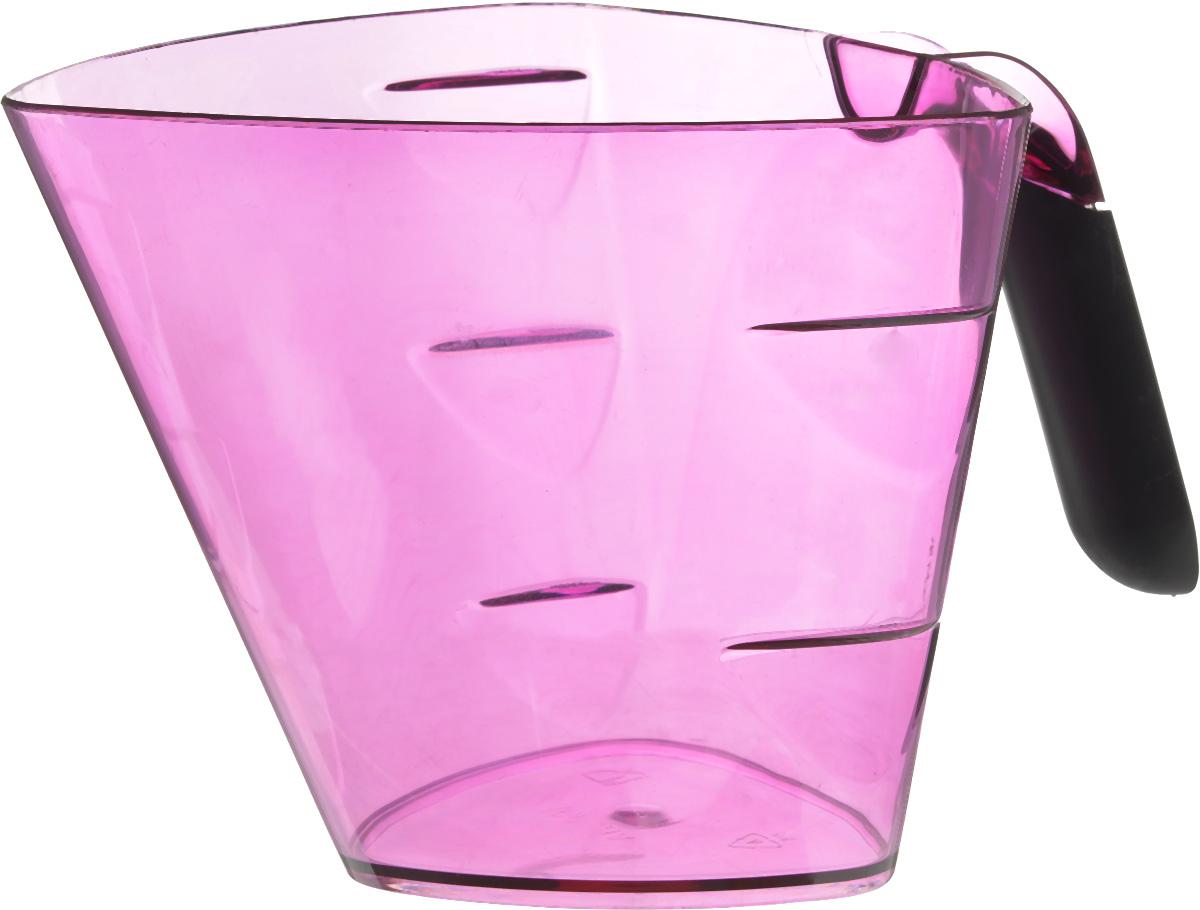 Стакан мерный Giaretti Cristallo, цвет: фиолетовый, 1 лGR3066_фиолетовыйМерный прозрачный стакан Giaretti Cristallo выполнен из высококачественного пластика. Стакан оснащен удобной ручкой с противоскользящей вставкой и носиком, которые делают изделие еще более простым в использовании. Мерная шкала внутри стакана, позволяет измерить жидкости до 1 л. Удобная форма стакана позволяет как отмерить необходимое количество продукта, так и взбить/замесить его непосредственно в прямо в этой же емкости. Такой стаканчик пригодится каждой хозяйке на кухне, ведь зачастую приготовление некоторых блюд требует известной точности. Объем: 1 л. Размер: 14,5 х 15 х 13 см. Длина ручки: 9,5 см. Толщина стенок: 2 мм.