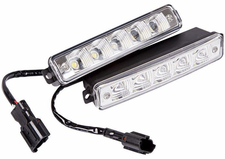 Дневные ходовые огни Lamper, 10 диодов80-1126Рабочее напряжение: 8-16 В Потребляемая мощность: 15 Вт Продолжительность работы: до 50 000 часов Температура работы: от -40°C до +85°C Алюминиевый корпус. Размеры: 165х43х31.