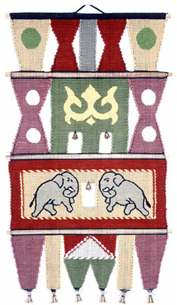 Коврик декоративный India Cotton, 45 х 75 см. 409AL409ALКоврик декоративный ручной работы. Произведен в деревнях Индии, с вековыми традициями в изготовлении хлопковых изделий. Служит идеальным украшением Вашего интерьера, отличный подарок по любому случаю. Этнический оберег, колокольчиками отгоняющий зло и привлекающий блага. Изделия ручной работы могут немного отличаться от товара, представленного на фото, например, цветовыми нюансами, отделкой. Внимание: коврик не подлежит стирке!