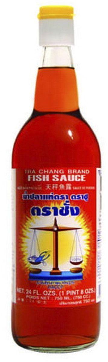 """Рыбный соус используется при приготовлении блюд из рыбы, мяса, птицы, овощей, заправки салатов с морепродуктами, заправки гарнира. Это традиционный соус, без которого не обходится практически ни одно блюдо таксой, японской, китайской, вьетнамской и корейской кухни. Тайское название рыбного соуса - нам пла, вьетнамское - ныок-мам, китайское - ю-лу, японское - шоттсуру. В блюдах тайской, китайской, японской кухни рыбный соус является альтернативой соли, поэтому используется почти во всех рецептах. Обычно добавляется непосредственно перед окончанием готовки, сразу перед выключением огня (иногда - совместно с другими приправами. вы можете купить рыбный соус в экономичной упаковке 750 мл в интернет-магазине продуктов азиатской кухни """"Шанхайский котелок"""" по выгодной цене."""