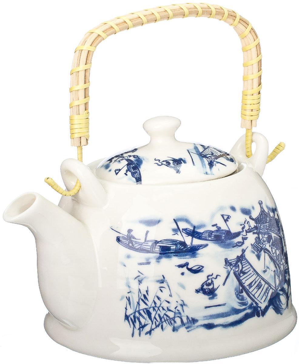 Чайник заварочный Vetta Восточная река, с фильтром, 900 мл839015Украсьте свое чаепитие изысканным чайником Восточная река, декорированный красочным изображением. В чайнике имеется металлическое ситечко, ручка чайника декорирована бамбуковым волокном. В этом красивом чайнике чай получается очень насыщенным, ароматным и долго остается горячим. Упакован в подарочный короб, что может послужить отличным подарком родным и близким.