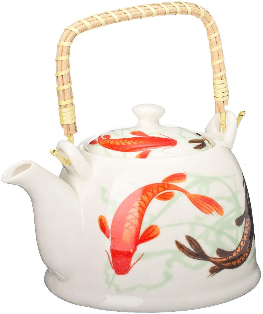 Чайник заварочный Vetta Карпы Кои, с фильтром, 900 мл839017Украсьте свое чаепитие изысканным чайником Карпы Кои, декорированный красочным изображением. В чайнике имеется металлическое ситечко, ручка чайника декорирована бамбуковым волокном. В этом красивом чайнике чай получается очень насыщенным, ароматным и долго остается горячим. Упакован в подарочный короб, что может послужить отличным подарком родным и близким.