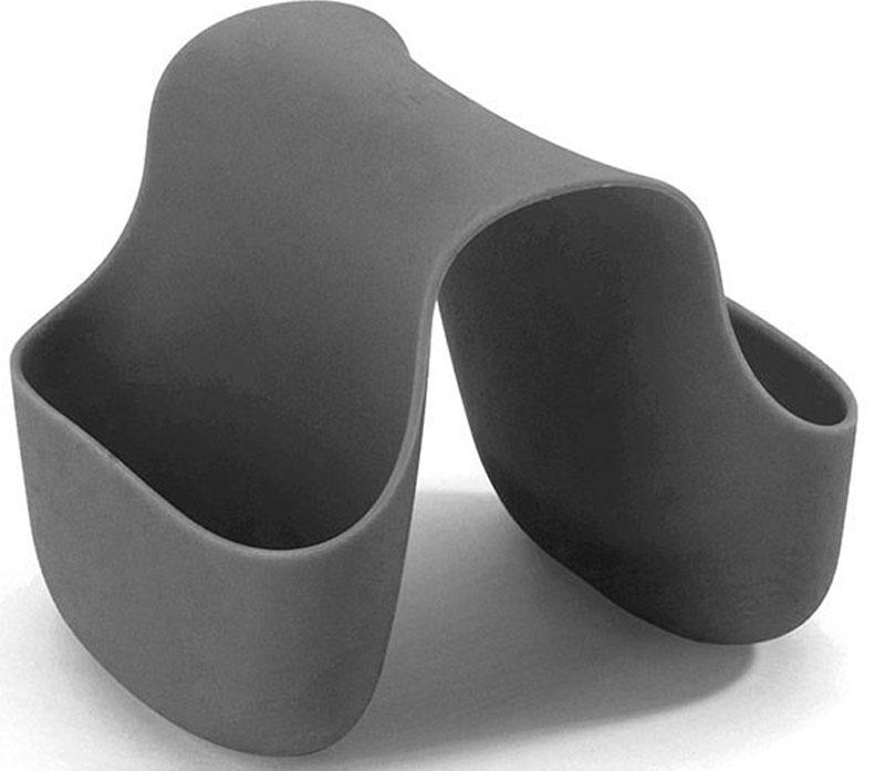 Подставка для кухонных принадлежностей Umbra Saddle, цвет: темно-серый, 10,2 х 12,7 х 10,2 см330210-149Гибкий органайзер с двумя кармашками в новом модном цвете. В нем может поместиться что угодно: губки и щётки для мытья посуды, диспенсеры с моющими средствами и прочие небольшие предметы на кухне или в ванной. Не содержит BPA. Можно мыть в посудомоечной машине. Сочетается с другими аксессуарами для кухни в новой цветовой палитре: диспенсером Joey и сушилкой Tub. Дизайнер Ross & Doell
