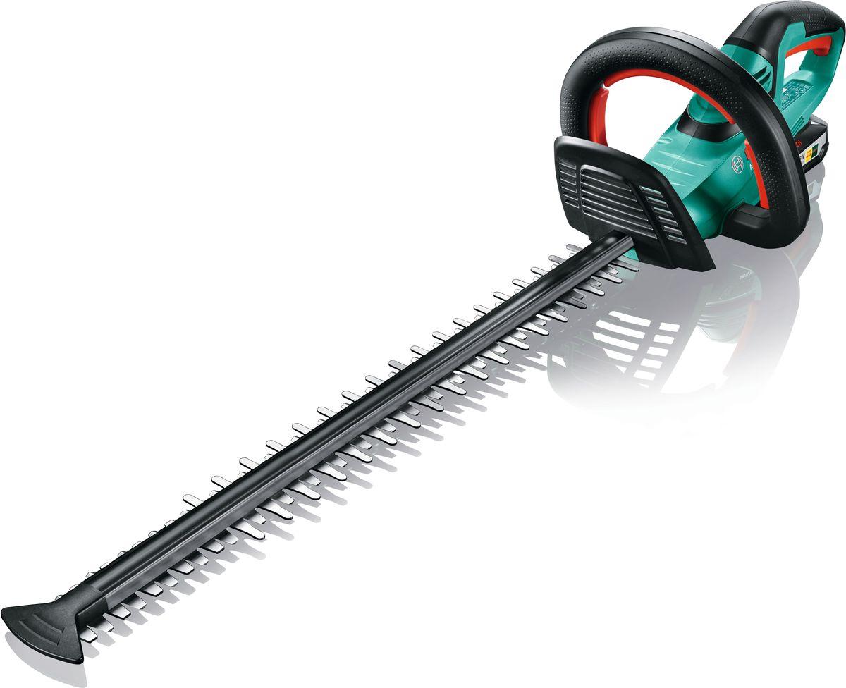 Аккумуляторный кусторез Bosch AHS 55-20 LI. 0600849G000600849G00Преимущества изделия: Технология Quick-Cut гарантирует срезание веток и сучьев с первого раза — для быстрой и эффективной стрижки живой изгороди Для комфортной и эргономичной работы с минимальным напряжением рук и спины Антиблокировочная система обеспечивает беспрерывную работу там, где другие кусторезы уже не справляются Мягкое покрытие на задней ручке, многопозиционная передняя ручка и прозрачная накладка для защиты рук для удобной работы в любом положении Функция пиления: специальные зубья на передней части ножа легко справятся с ветками диаметром до 25 мм Изготовленные по лазерной технологии ножи с алмазной заточкой обеспечивают чистоту и точность среза Защитное устройство ножей для работы вдоль стен и фундамента Один аккумулятор для всех электроинструментов и садовой техники Bosch 18 В Power for ALL. Обзор технических характеристик: Напряжение аккумулятора: 18 В Ёмкость аккумулятора: 2,5 А/ч Время зарядки...