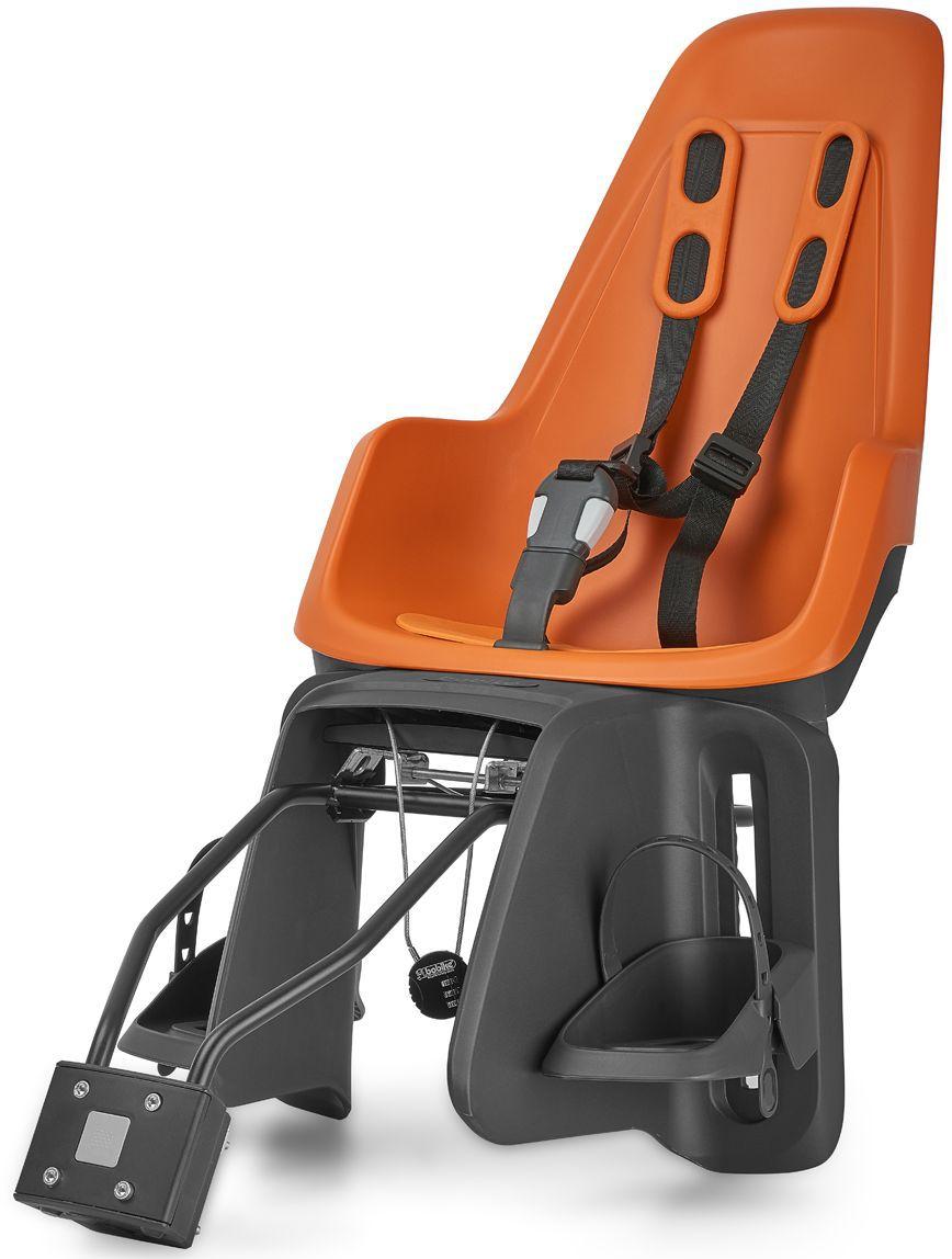 Велокресло заднее Bobike One Maxi 1P, крепление на раму и багажник велосипеда, цвет: оранжевый8012200007BOBIKE ONE Maxi 1P любит город, так же как Вы и Ваше чадо. С лёгкостью пробираясь через городской трафик, Вы не пугаетесь неожиданных поворотов судьбы и препятствий. Стильный и свежий дизайн, удостоенный награды Голландского Общества Потребителей, отлично сочетается со всеми трендами велосипедной моды. Уникальная двухслойная конструкция кресла и красный задний светоотражатель обеспечивают непревзойдённый уровень безопасности ребёнка. BOBIKE ONE Maxi 1P оборудовано мягкими нескользящими наплечными ремнями с надёжной застёжкой для удержания ребёнка в правильной позиции. Кресло оснащено водоотталкивающей гасящей вибрации подкладкой. Система крепления Click & Go позволяет быстро и без инструментов установить и снять велокресло, а также переставить его между разными велосипедами. Для кратковременной стоянки у магазина или подъезда в комплектацию включён небольшой кодовый замок. BOBIKE ONE Maxi 1P устанавливается на подседельную трубу рамы диаметром от 28 до 40 мм или на багажник шириной от...