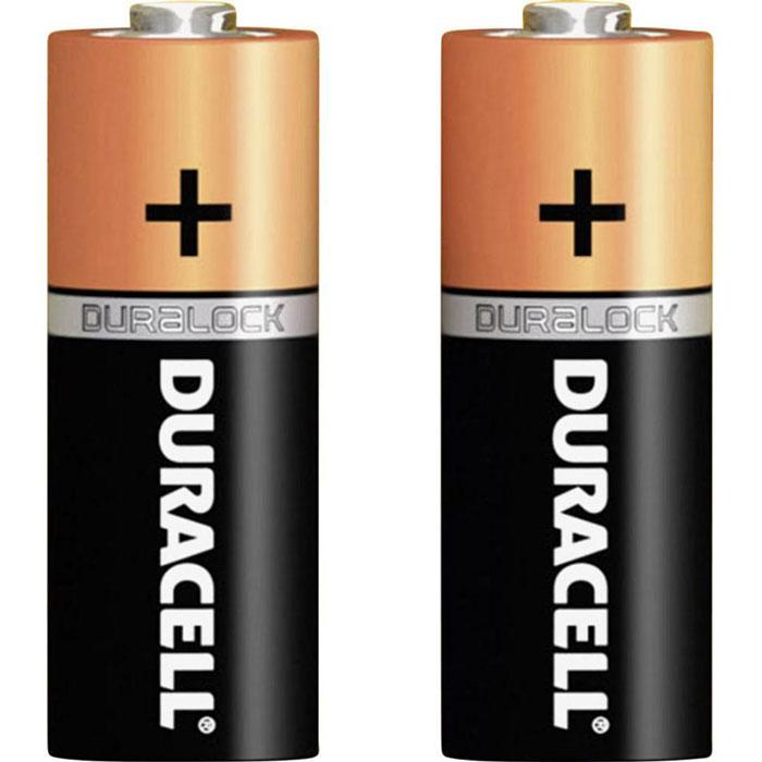 Набор алкалиновых батареек Duracell Basic, тип AA, 2 штDRC-81480358Набор алкалиновых (щелочных) батареек Duracell предназначен для использования в различных электронных устройствах. Duracell - оптимальный выбор для использования в современных приборах - особенно эффективны в таких изделиях как плееры, фонари, пульты дистанционного управления, фотовспышки, часы, диктофоны, электронные игрушки, переносные ТВ и т.д. Не разбирать, не перезаряжать, не подносить к открытому огню. Не устанавливать одновременно новые и использованные батарейки, а также батарейки различных марок, систем и типов. При установке соблюдать полярность (+/-). Хранить в недоступном для детей месте. Характеристики: Тип элемента питания: AA (LR6). Тип электролита: щелочной. Выходное напряжение: 1,5 В. Комплектация: 2 шт. Изготовитель: Бельгия. УВАЖАЕМЫЕ КЛИЕНТЫ! Обращаем ваше внимание на возможные варьирования в дизайне упаковки. Поставка осуществляется в зависимости от наличия на складе.