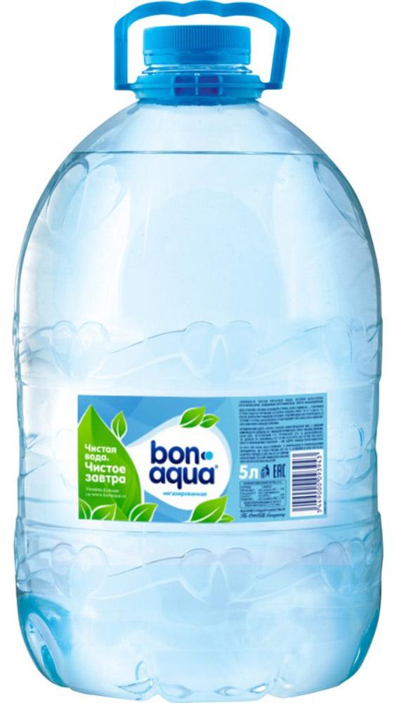 BonAqua Вода чистая питьевая негазированная, 5 л887701BonAqua - это кристально чистая питьевая вода, высокого качества. BonAqua - известная и любимая в России марка. Производство воды Bon Aqua началось в Германии в 1988 году. В России запуск питьевой воды Bon Aqua был успешно осуществлен в 1994 году. BonAqua проходит 7-ми ступенчатую систему очистки и водоподготовки. Производится в строгом соответствии с высочайшими стандартами качества компании Coca-Cola. Содержит минеральные элементы (Ca, Mg). Обладатель золотой медали в категории Бутилированная вода выставки Вода: экология и технология (ЭКВАТЭК) . В России BonAqua 6 раз признавалась Товаром Года. Уважаемые клиенты! Обращаем ваше внимание на то, что упаковка может иметь несколько видов дизайна. Поставка осуществляется в зависимости от наличия на складе.